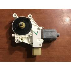 Мотор стеклоподъемника BMW E90